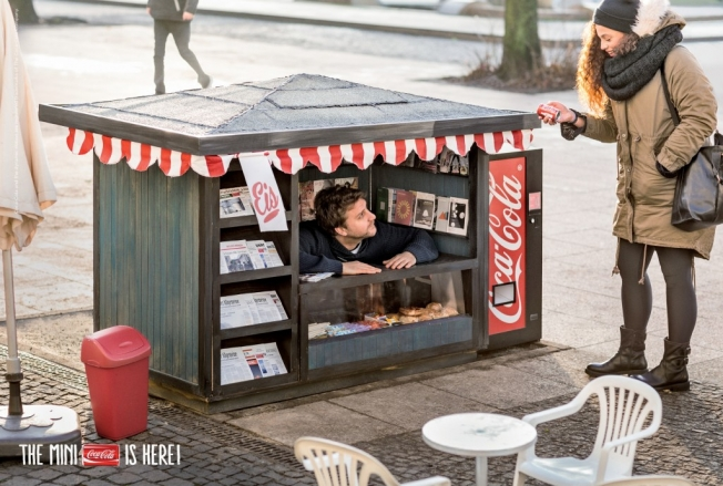coca-cola-mini-kiosk-hed-2014