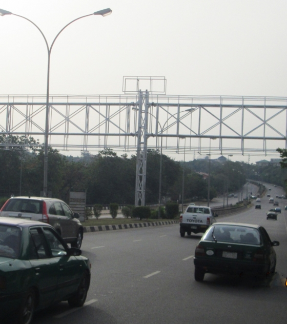 Gantry – Ahmadu Bello Way, Abuja FTF Diamond Bank Wuse 2