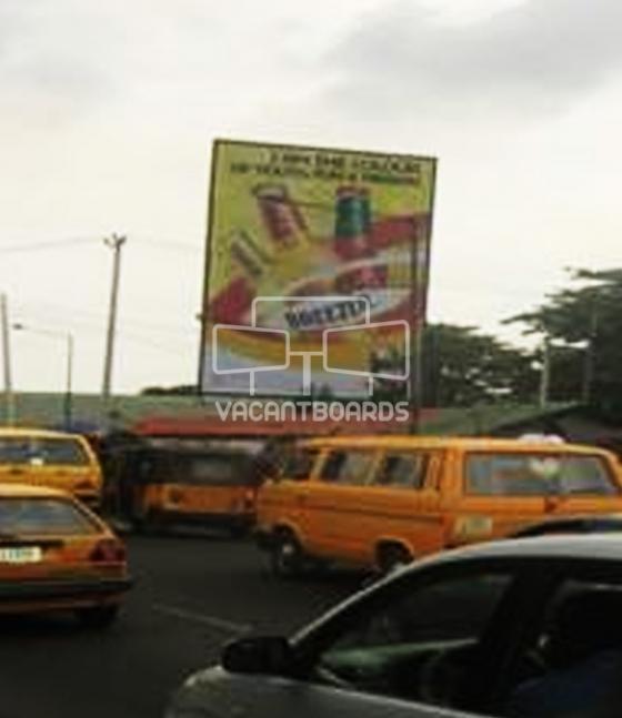 Portrait Unipole – Yaba Bus stop, Lagos